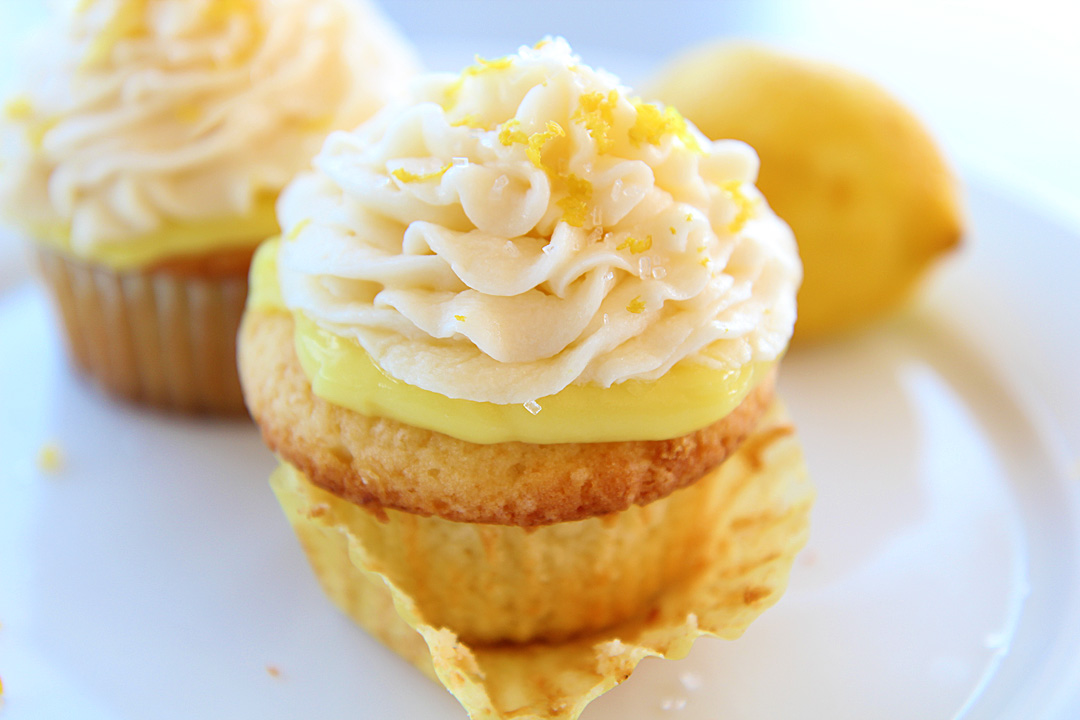 Martha Stewart's Lemon Cupcakes with Lemon Buttercream Frosting ...