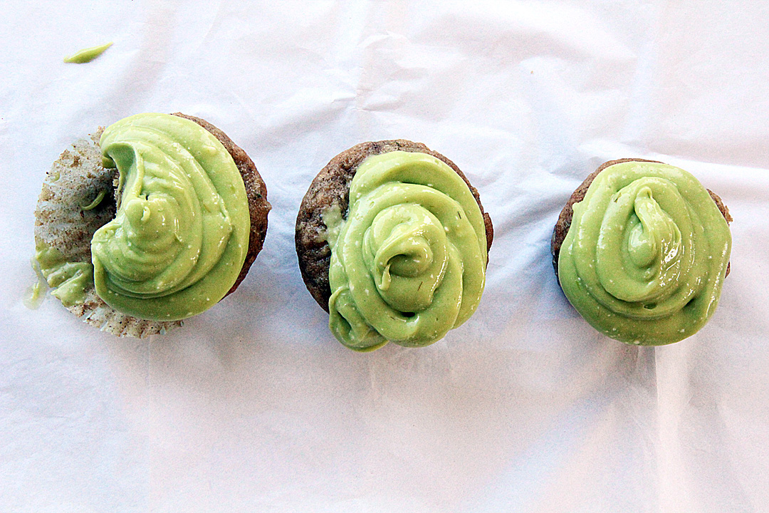 Zucchini Cupcakes with Avocado Buttercream Frosting (Vegan) » Say ...